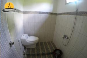 Paket Tour Karimunjawa Hotel AC - penginapan hotel sunrise karimunjawa kamar mandi